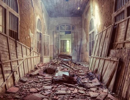 Manicomio Corridor